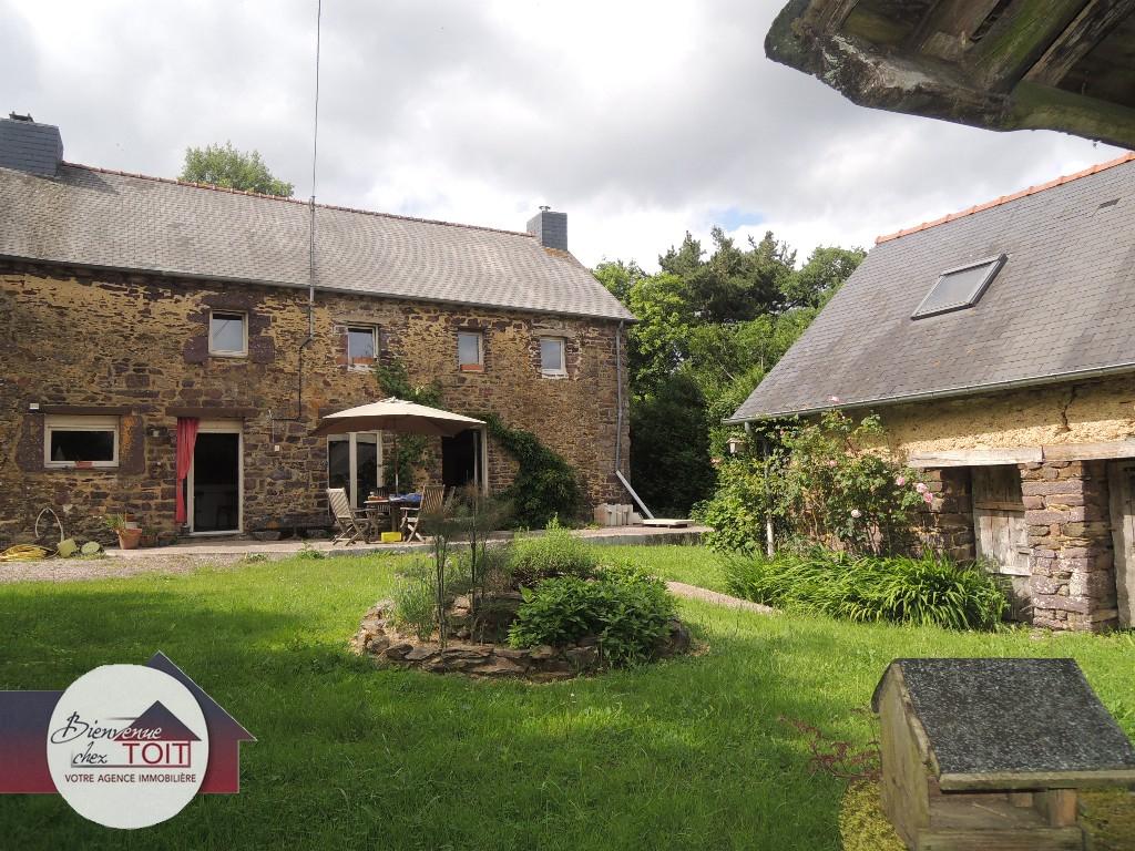 Maison Proche Montfort-sur-Meu 185 m² sur un terrain d'environ 2500 m²